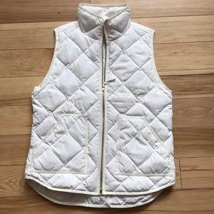 White J Crew puff vest (small) NEVER WORN!